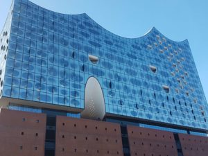 Elbphilharmonie von außen, Hamburg