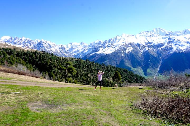 Wanderung in den Bergen von Swanetien