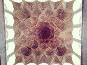 Geschmückter, bemalter Plafont in Esfahan