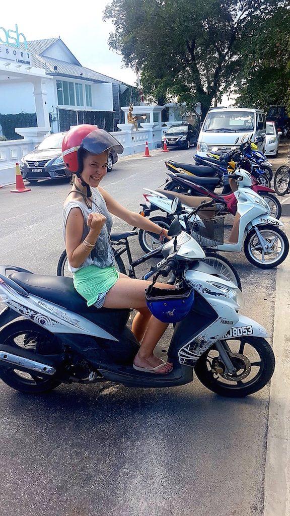Erste erfolgreiche Scooterfahrt auf Langkawi