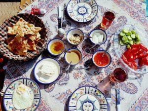 Iranisches Frühstück in Yazd