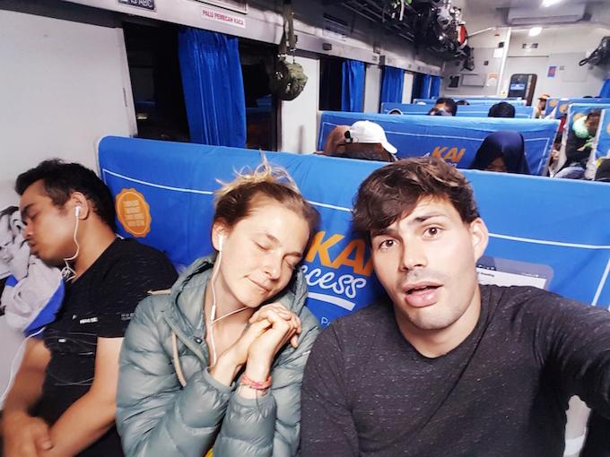 Mit dem Zug in der Holzklasse durch Java