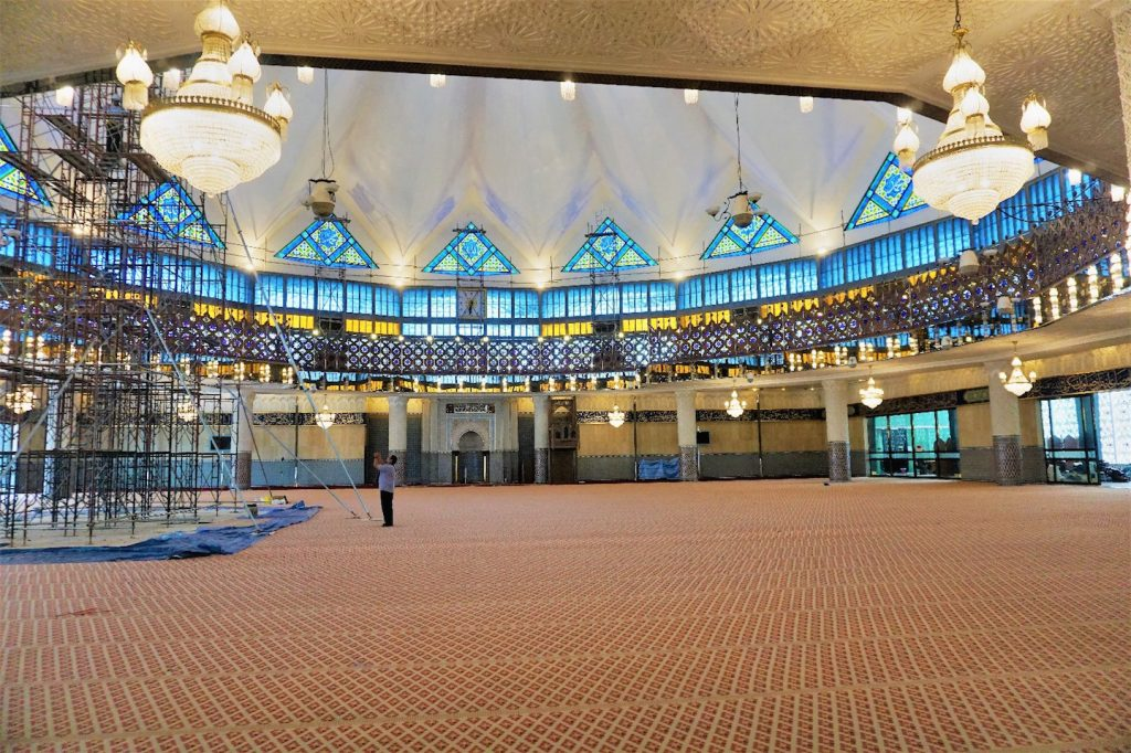 Große Gebetshalle in der National Moschee in KL