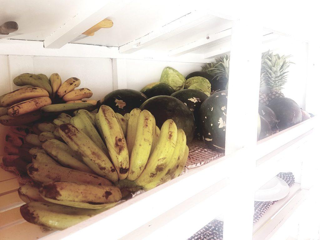 Bananen, Melonen, Ananas als Obstvorrat an Board
