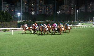 Startschuss beim Pferderennen mittwochs im HKJC