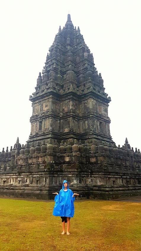 Tempelanlage für uns allein bei Regen