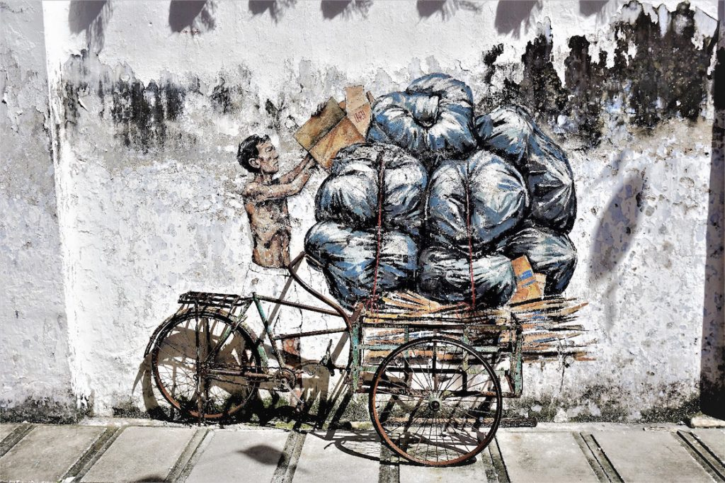 StreetArt Alter, fahrradfahrender Mann